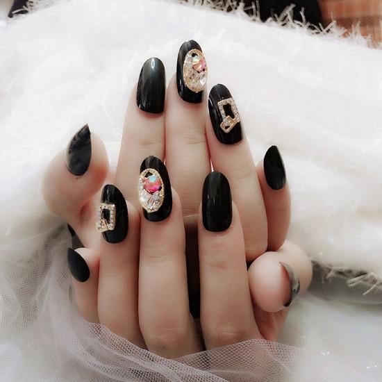 Луксозни изкуствени нокти за маникюр за изящни и стилни дами - модел NK012