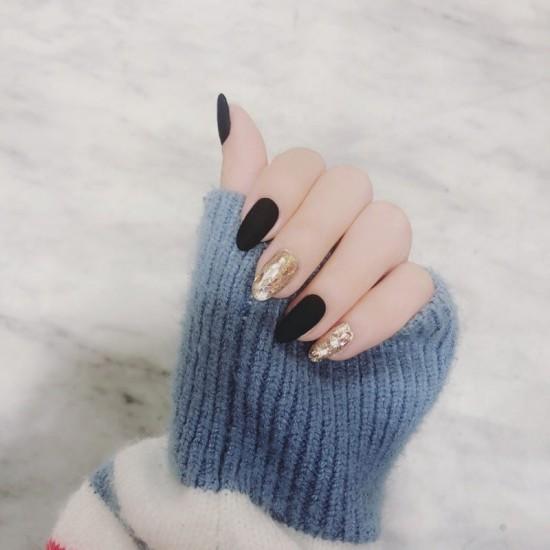 Луксозни изкуствени нокти за маникюр за изящни и стилни дами - модел NK014