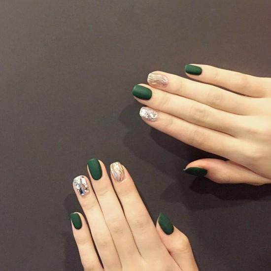 Луксозни изкуствени нокти за маникюр за изящни и стилни дами - модел NK022