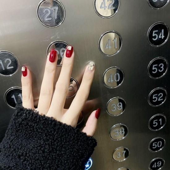 Луксозни изкуствени нокти за маникюр за изящни и стилни дами - модел NK024