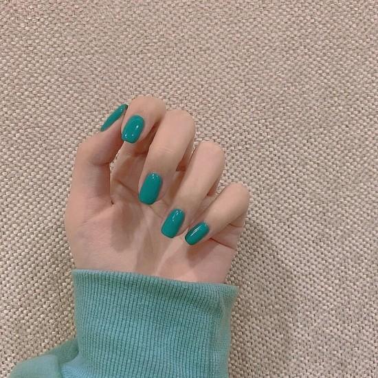 Луксозни изкуствени нокти за маникюр за изящни и стилни дами - модел NK039