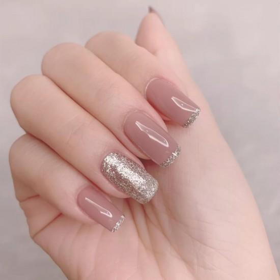 Луксозни изкуствени нокти за маникюр за изящни и стилни дами - модел NK045