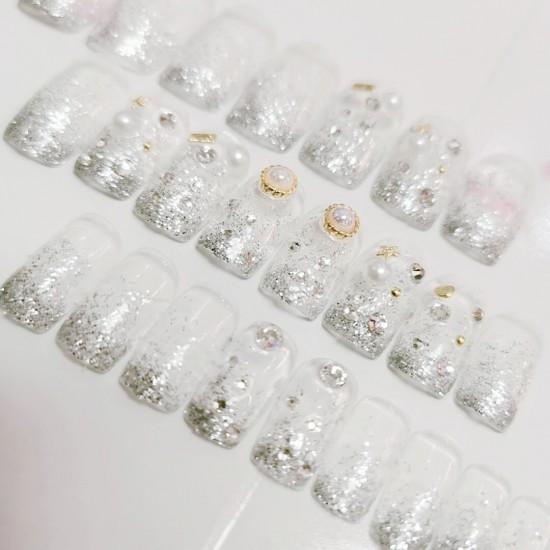 Луксозни изкуствени нокти за маникюр за изящни и стилни дами - модел NK047