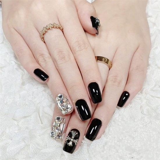 Луксозни изкуствени нокти за маникюр за изящни и стилни дами - модел NK009