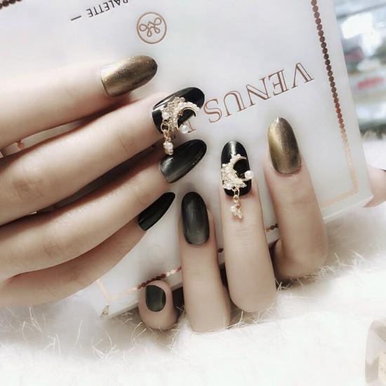Луксозни изкуствени нокти за маникюр за изящни и стилни дами - модел NK010