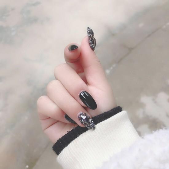 Луксозни изкуствени нокти за маникюр за изящни и стилни дами - модел NK021