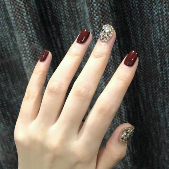 Луксозни изкуствени нокти за маникюр за изящни и стилни дами - модел NK035