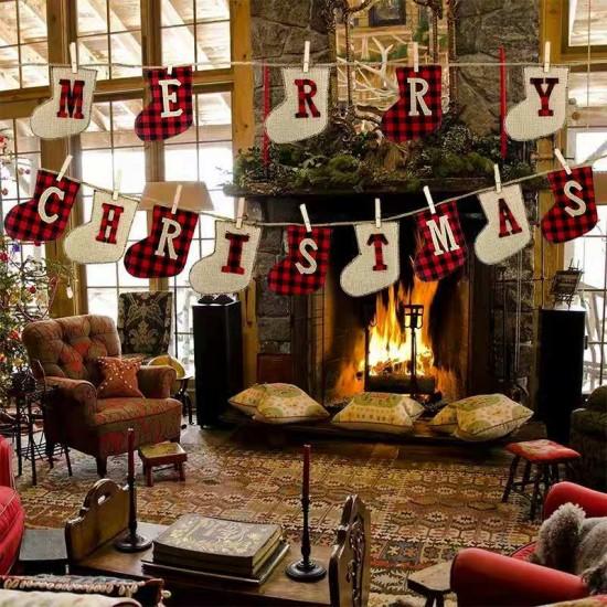 Коледен гирлянд с надпис Merry Christmas